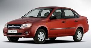 Новая Лада Гранта построена на базе модели Калина, вначале автомобиль будет выпускаться в кузове седан, а с 2013 года появится и хэтчбек. Автомобиль предлагается в трех комплектациях: «Стандарт», «Норма» и «Люкс». Версия в комплектации «Стандарт» получила 1,6-литровый мотор от Калины, две другие предлагаются с новым 8-клапанным силовым агрегатом объемом 1,6 литра мощностью 80 и 90 л.с., соответственно. Коробка передач — механическая 5-ступенчатая, привод на передние колеса.
